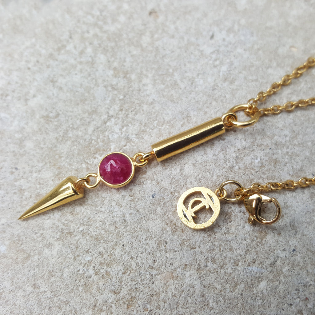 NEEDLE ICE RUBY GOLD NECKLACE