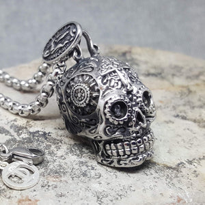 LATINO SKULL NECKLACE