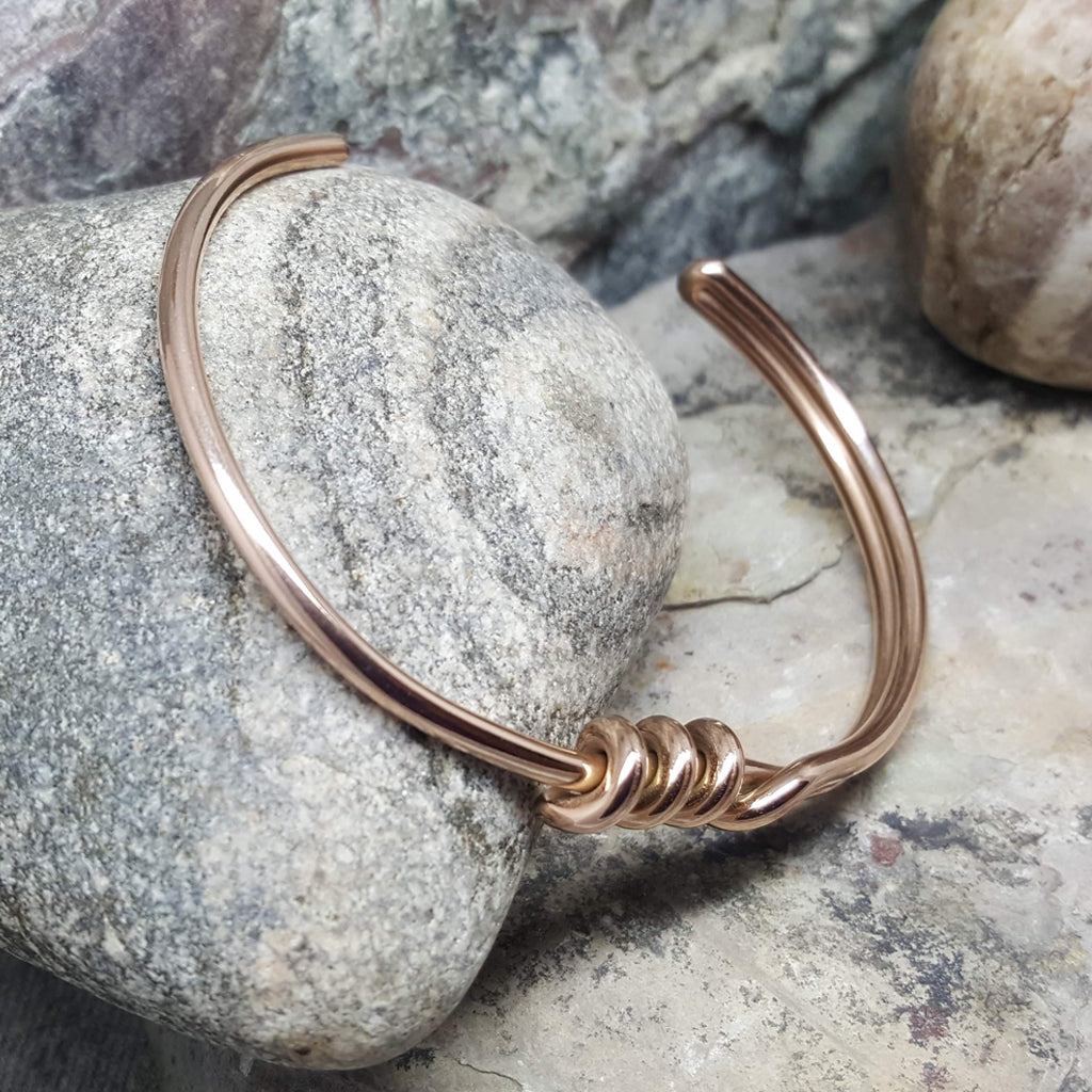 TWISTED ROSE GOLD BRACELET