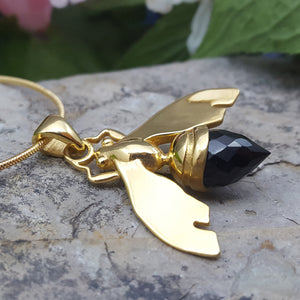 QUEEN BEE BLACK ONYX GOLD NECKLACE