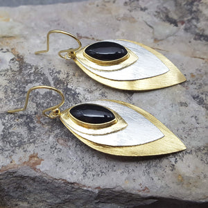 FISH EYE BLACK ONYX HOOK EARRINGS