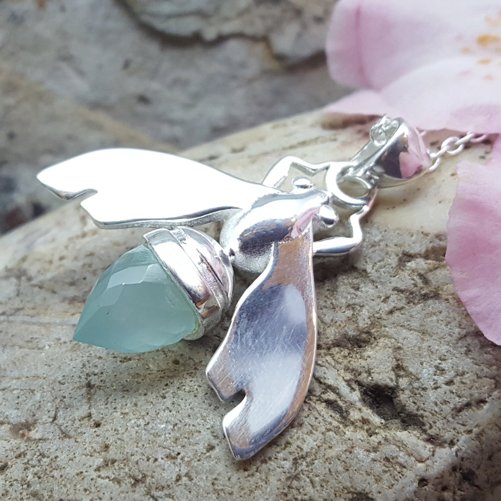 QUEEN BEE AQUA SILVER NECKLACE