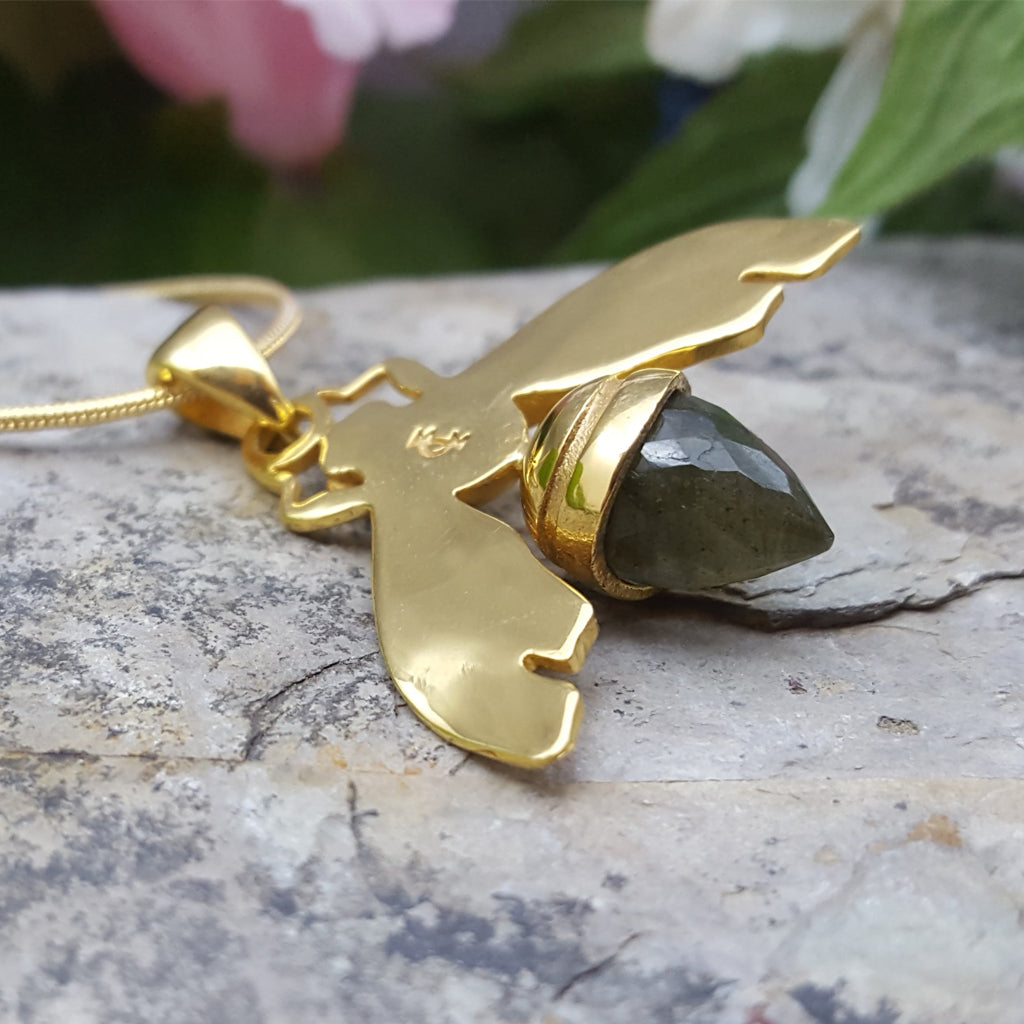 QUEEN BEE LABRADORITE GOLD NECKLACE