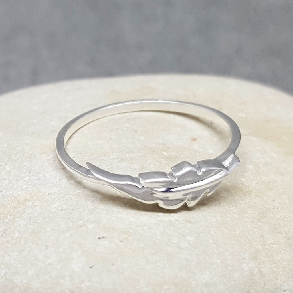 MINI LEAF SILVER RING