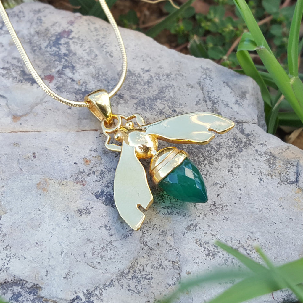 QUEEN BEE GREEN ONYX GOLD NECKLACE