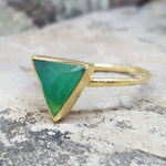 ARROW GREEN ONYX GOLD RING