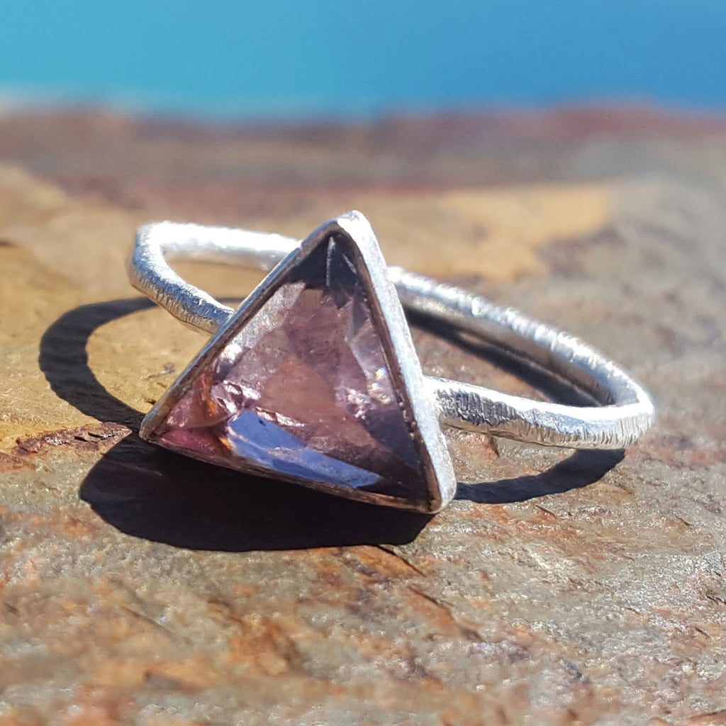 ARROW AMETHYST SILVER RING