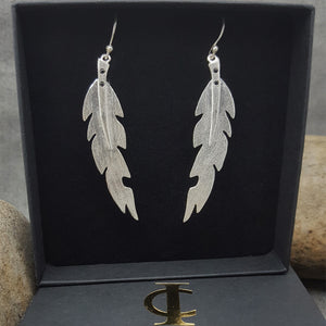 LEAF SILVER HOOK EARRINGS