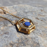 ROCK HEXAGON GOLD LAPIS LAZULI CHAIN NECKLACE