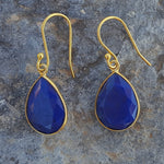 LAPIS LAZULI GOTA DE ORO GOLD HOOK EARRINGS