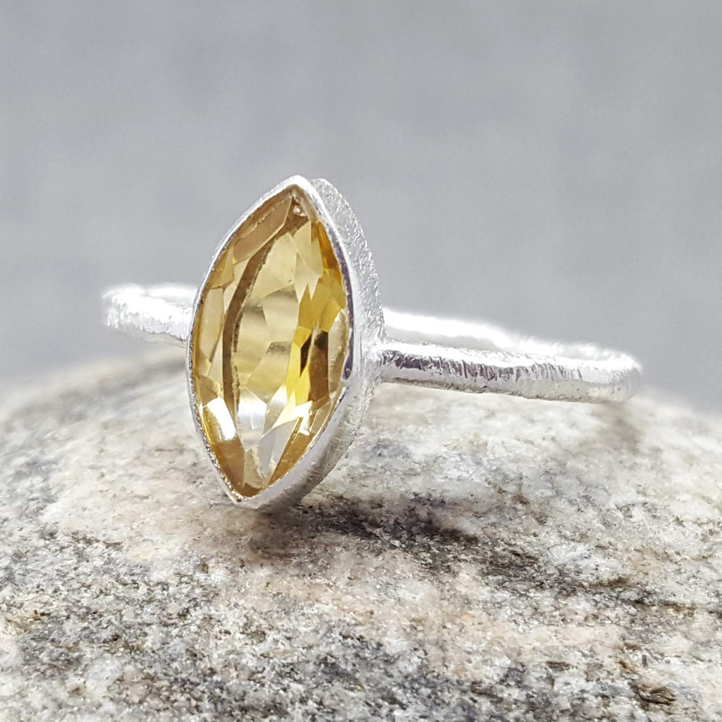 CAT EYE CITRINE SILVER RING