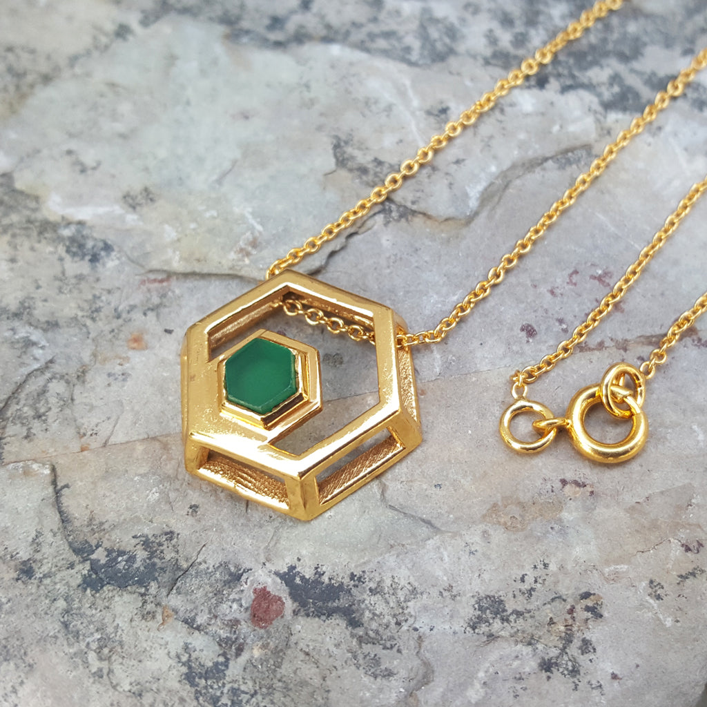 ROCK HEXAGON GOLD GREEN ONYX CHAIN NECKLACE
