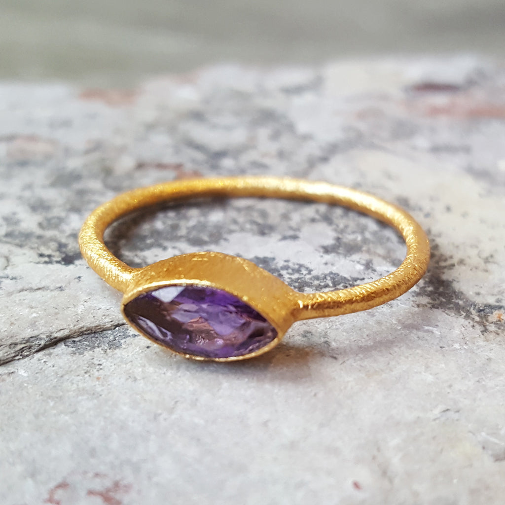 LILLY AMETHYST GOLD RING