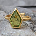 LARA PERIDOT GOLD RING