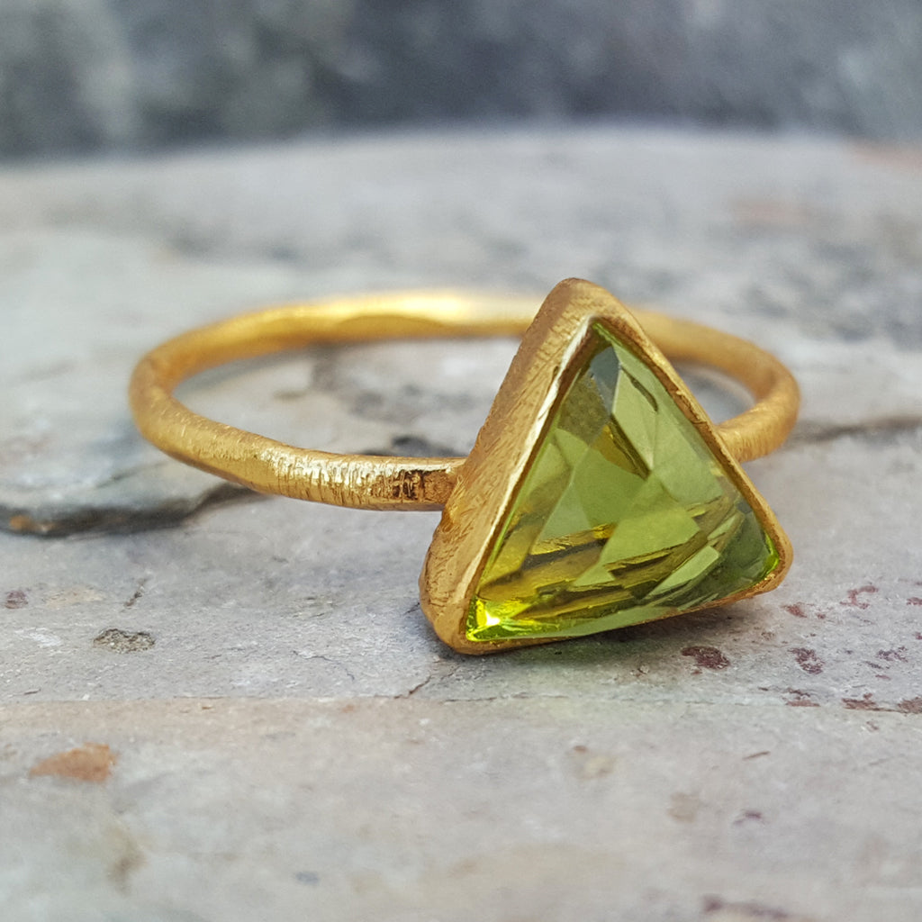 ARROW PERIDOT GOLD RING