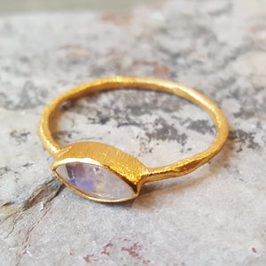 LILLY MOONSTONE GOLD RING