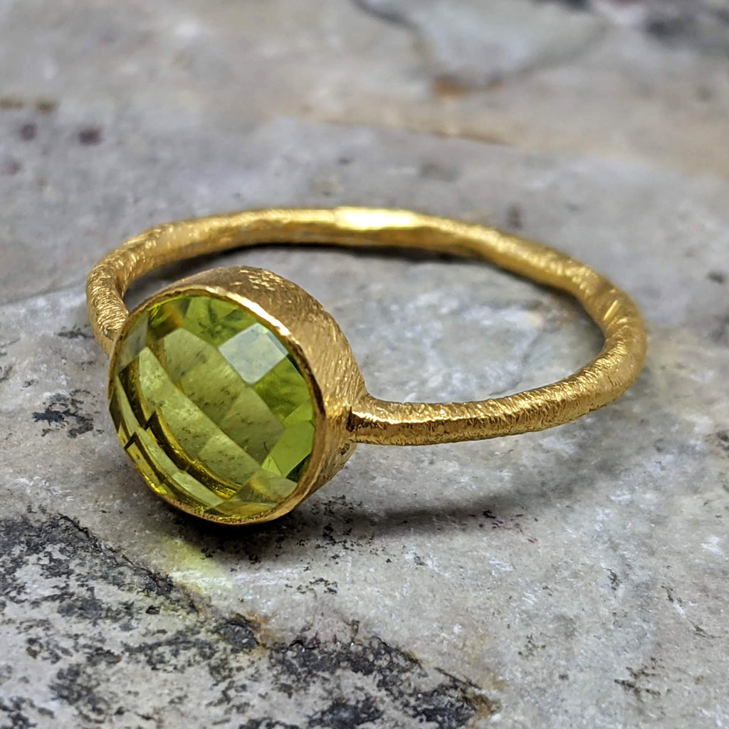 ROSES PERIDOT GOLD RING