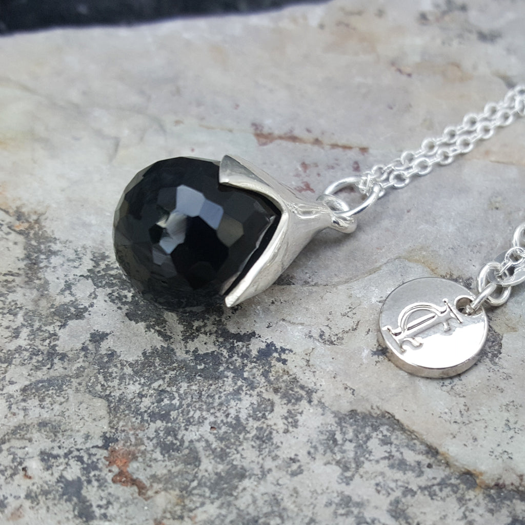 TULY BLACK ONYX SILVER NECKLACE