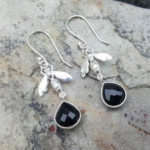 BEE BLACK ONYX SILVER EARRINGS