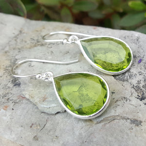JEWELLERY SET. GOTA DE ORO PERIDOT SILVER RING PLUS HOOK EARRINGS