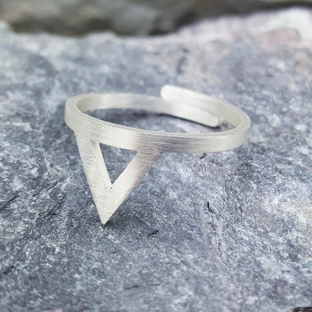 SARAH TRIANGLE ADJUSTABLE SILVER RING