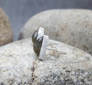 ARROW LABRADORITE SILVER STUD EARRINGS