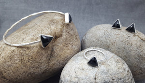 ARROW BLACK ONYX SILVER STUD EARRINGS