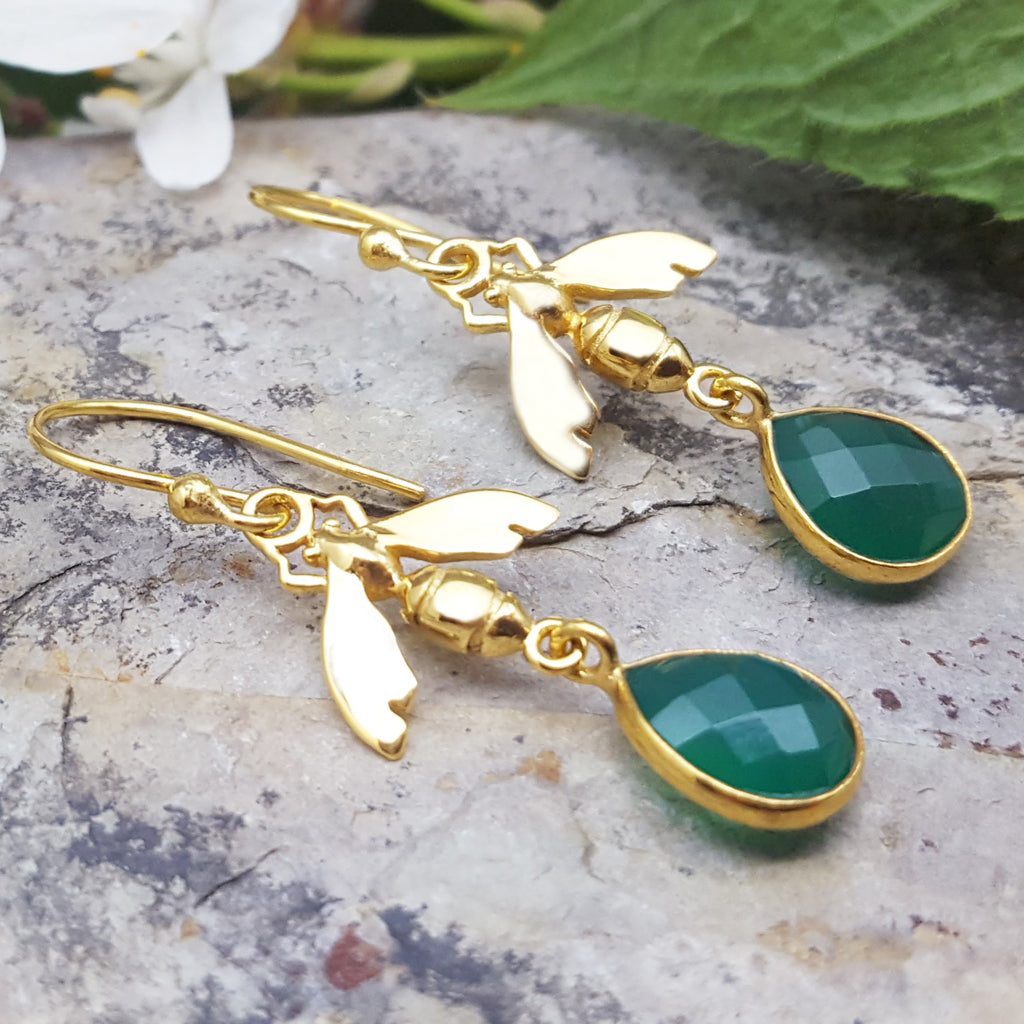 BEE GREEN ONYX GOLD EARRINGS