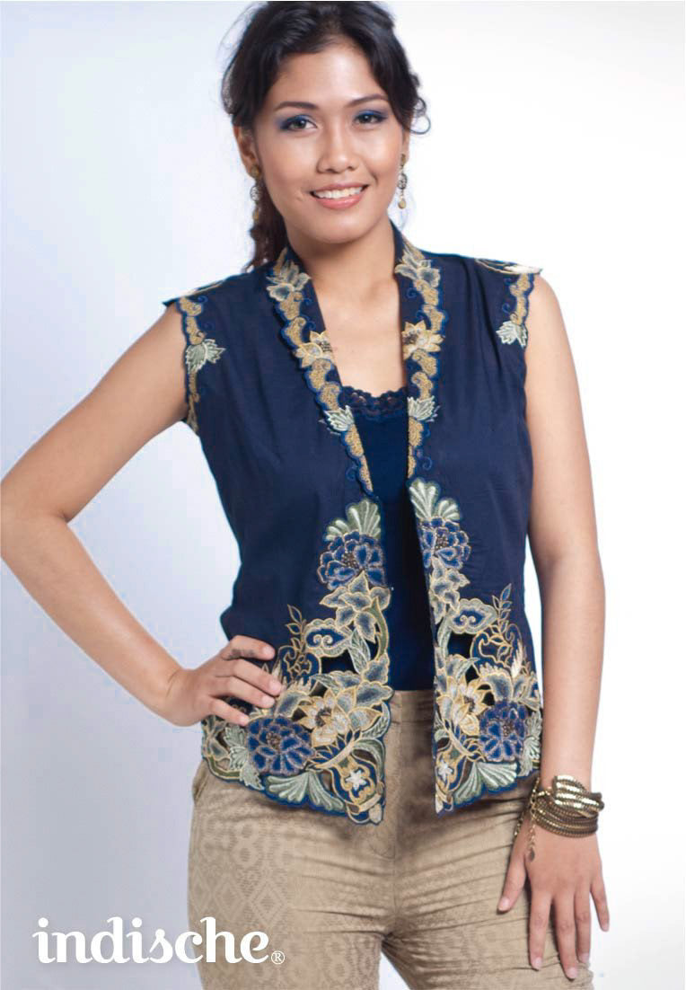 Blue Peonies Sleeveless Kebaya