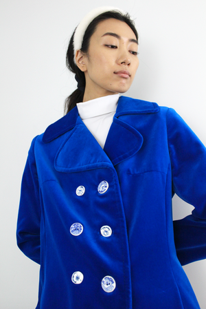 LENNOX velvet coat with handcrafted buttons