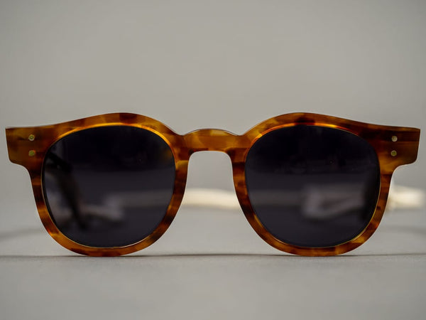 Tender moc turtle sunglasses brown