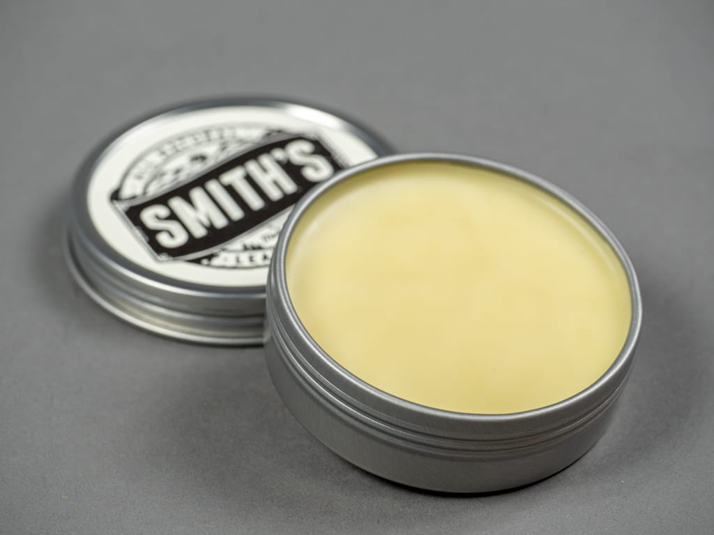 smith´s all natural leather balm tin
