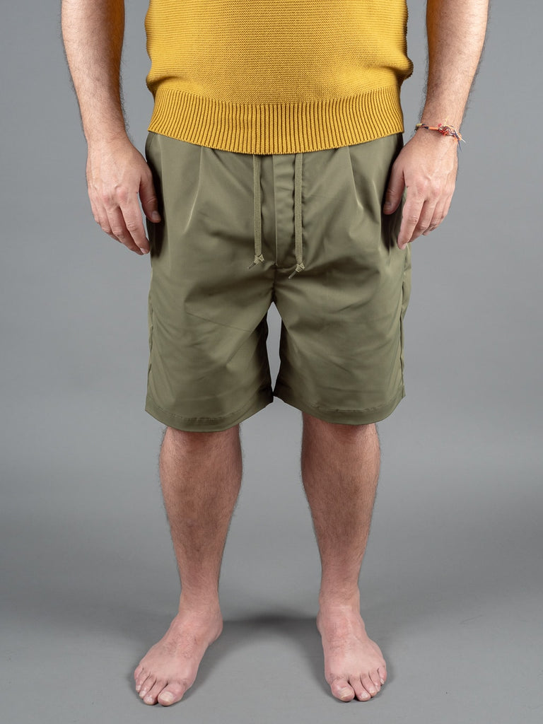 Spellbound 45-400T Easy Shorts Olive solotex fabric front
