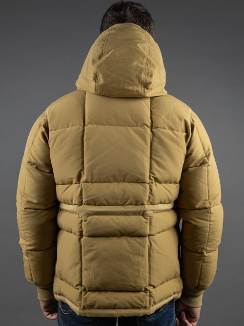 Trophy Clothing Alpine kawada Down Coat 800 fill power hood