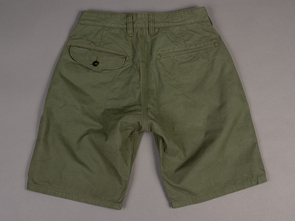 UES Duck Short Pants green back button pocket