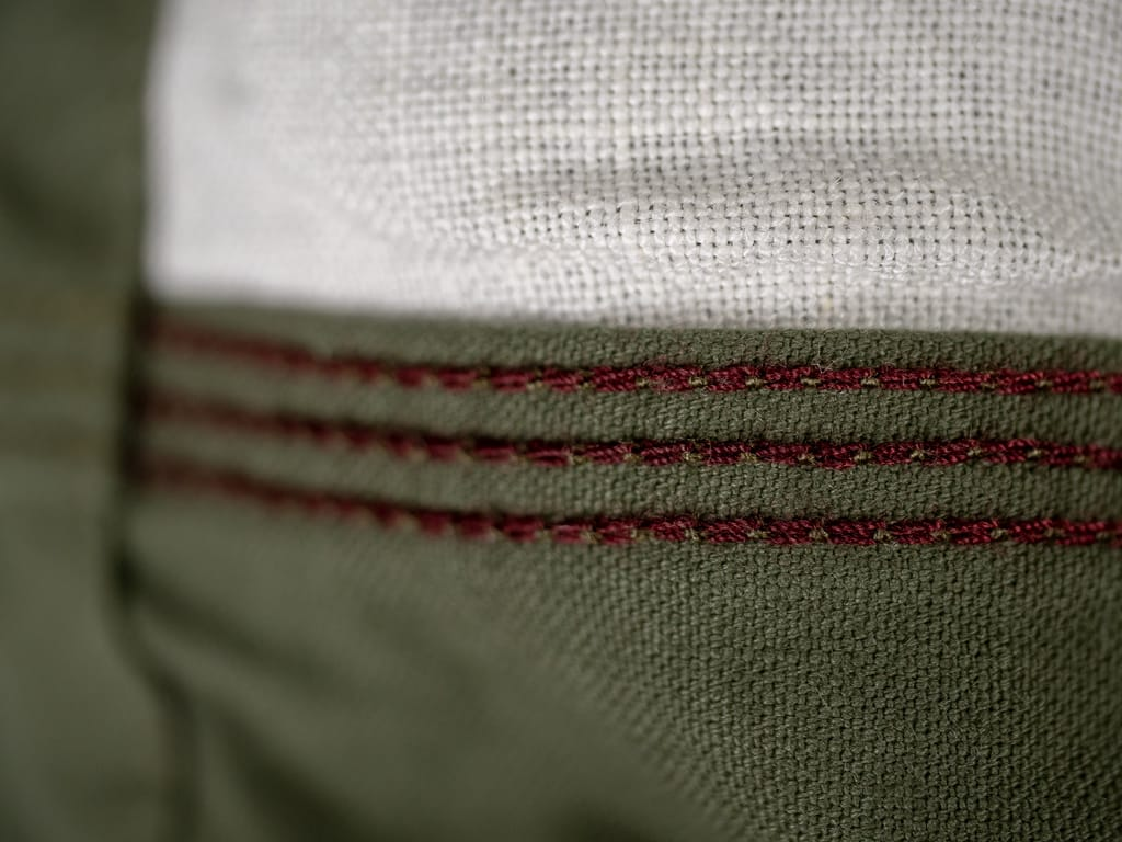 UES Duck Short Pants green red stitching
