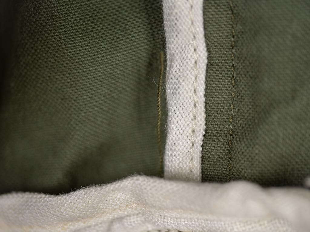 UES Duck Short Pants green white interior detail