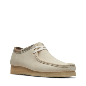 CLARKS 26150490 Wallabee Off White Int  Designers Closet