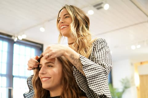 Get More Clients! 7 Self-Promotion Tips for Stylists