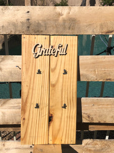 """Grateful""  wood sign, w/ 4 picture clips - Old Soul AZ"