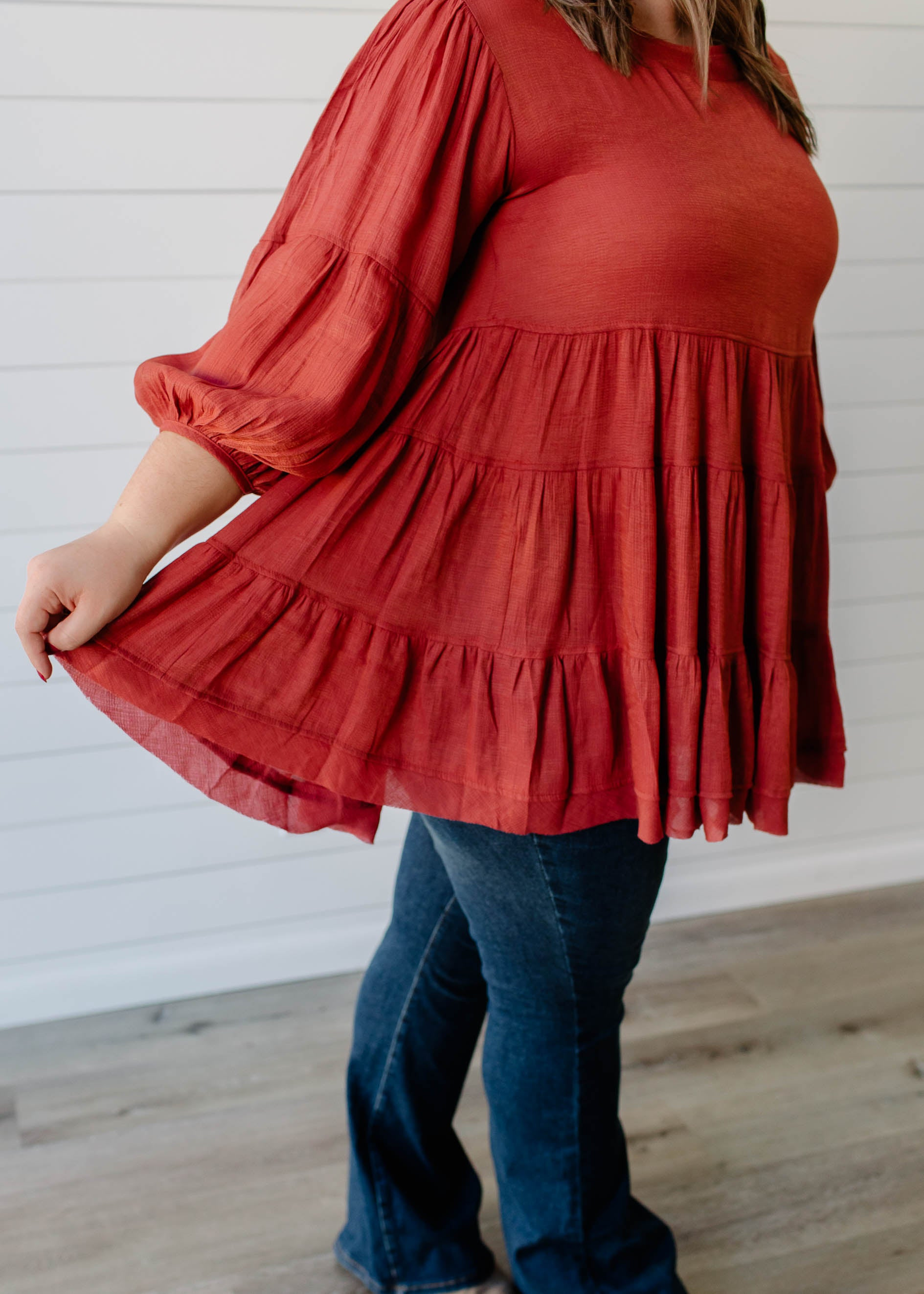 Kendra - Marsala Tiered 3/4 Balloon Sleeve Top