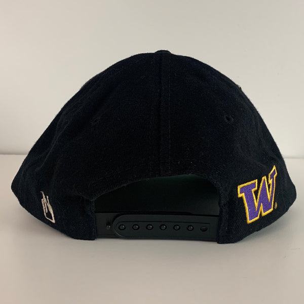 Washington Huskies Black Snapback