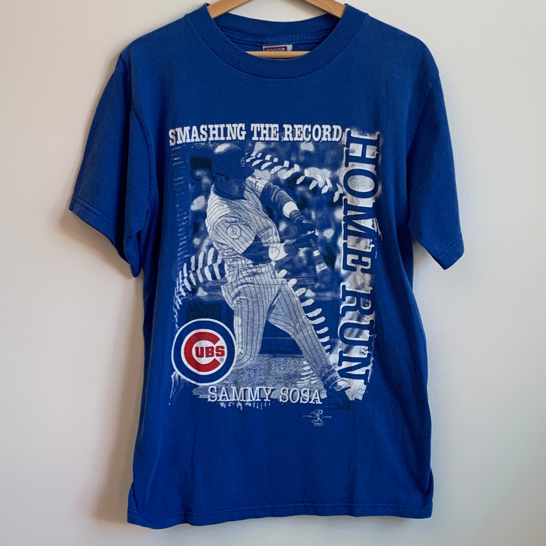 Sammy Sosa Chicago Cubs Smashing The Record Blue Tee Shirt
