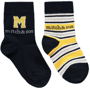 This two pack of socks features a navy blue pair with a large yellow logo and a navy, grey and yellow striped pair.  Features:  80% cotton, 15% polyamide, 5% elastane Machine washable at 30C Pack of 2 socks