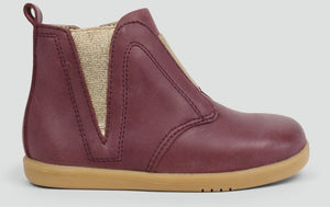 Bobux Jodphur Toffee Boot.Classic jodhpur boot featuring a matching side elasticated panel with side zip and easy pull on tabs ensuring a secure and comfortable fit. The stylish leather makes the perfect striking addition to any outfit.  Features: 100% Leather upper and lining Zip closure making the boot both easy to put on and secure Flexible and lightweight sole