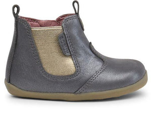 Bobux Charcoal Shimmer Boot.This classic jodhpur boot features a beautiful shimmery, metallic elasticated side panel with a zip closure and pull on tabs making the boot easier to get on and off.   Features:  100% leather upper and lining Zip closure and elastic gusset for a secure fit  Leather lining gives breathability  Flexible, lightweight sole