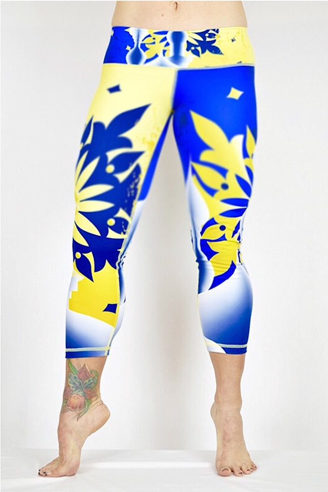 Bedpost Print capris made in Columbia with 100% Supplex material. They are fully breathable, moisture wicking, Oder resistant, retain shape, drys faster than cotton. One size fits most.
