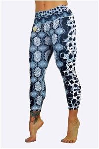Snake Skin Capris made in Columbia with 100% Supplex material. They are 100% Squatproof and fully breathable, moisture wicking, Oder resistant, retain shape, drys faster than cotton. One size fits most.