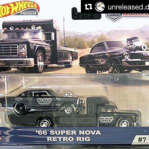 HOT WHEELS -  TEAM TRANSPORT '66 SUPER NOVA RETRO RIG (IN STOCK)