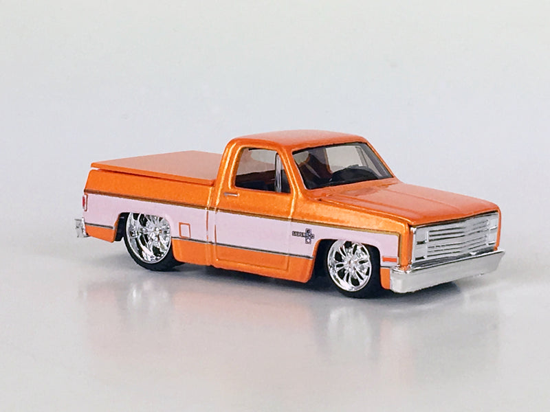"MAISTO - BOSSCO 1987 CHEVY SILVERADO ""METALLIC ORANGE"" 1 OF 2,004"